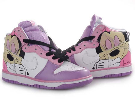 Nike-Dunks-High-Mickey-Mouse_1